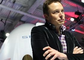 Ο Mr. Tesla απολύει 3.000 υπαλλήλους - Κεντρική Εικόνα