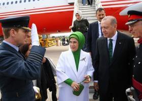 Εμινέ Ερντογάν: Τσάντα 50.000 και καρφίτσα 15.000 για τη... σουλτάνα (photos) - Κεντρική Εικόνα