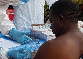 Δύο νέα φάρμακα έδωσαν ποσοστά ίασης ως 90% από τον θανατηφόρο ιό Έμπολα - Κεντρική Εικόνα