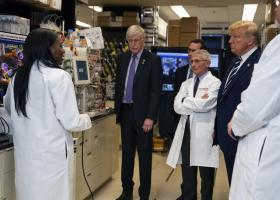 Κορωνοϊός: Ο Τραμπ υπέγραψε συμφωνία με εταιρεία χωρίς να έχει αποδειχτεί ασφαλές το εμβόλιό της! - Κεντρική Εικόνα