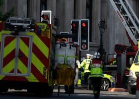 Λονδίνο: Υπό έλεγχο η φωτιά σε πολυώροφη πολυκατοικία - Κεντρική Εικόνα