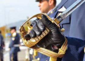 Πού κυμαίνονται τα αναδρομικά στα ειδικά μισθολόγια των αξιωματικών - Κεντρική Εικόνα