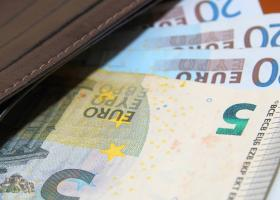 Επίδομα 800 ευρώ: Έως την Παρασκευή οι αιτήσεις από τις 5 νέες κατηγορίες δικαιούχων - Κεντρική Εικόνα