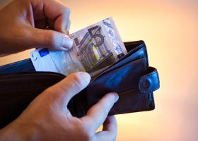 Επίδομα 534 ευρώ: Πληρωμή για 7.835 δικαιούχους ειδικών κατηγοριών - Κεντρική Εικόνα