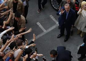 Τουρκικό δικαστήριο καταδίκασε δημοσιογράφο που άσκησε κριτική στον Ερντογάν - Κεντρική Εικόνα