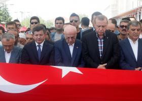 Θα επανεξετάσουμε την επαναφορά της θανατικής ποινής δηλώνει ο Ερντογάν  - Κεντρική Εικόνα