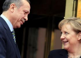 «Ζωηρές ανησυχίες» Μέρκελ για την Τουρκία, λίγο πριν συναντήσει τον Ερντογάν - Κεντρική Εικόνα