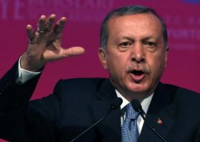 Οργισμένος ο Ερντογάν για την καταστροφή τανκ από αντάρτισσες του ΥPG (video) - Κεντρική Εικόνα