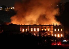 Ερωτηματικά μετά την ανυπολόγιστη καταστροφή στο Εθνικό Μουσείο του Ρίο - Κεντρική Εικόνα