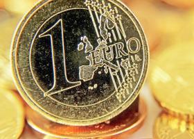 Κέρδη πάνω από 1% καταγράφει το ευρώ έπειτα από τις δηλώσεις Ντράγκι - Κεντρική Εικόνα