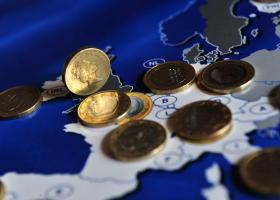 Μικρή ενίσχυση του ευρώ έναντι του δολαρίου - Κεντρική Εικόνα