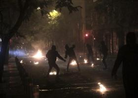 Νύχτα επεισοδίων σε Εξάρχεια και Θεσσαλονίκη - Κεντρική Εικόνα
