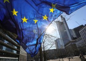 Β. Ντομπρόφσκις: Πρόταση για δύο νέα χρηματοδοτικά εργαλεία για την Ευρωζώνη - Κεντρική Εικόνα