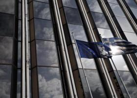Bloomberg: Η Ελλάδα στους πέντε κινδύνους που κρατούν άγρυπνη την ΕΕ - Κεντρική Εικόνα