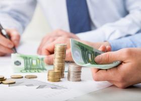 Αύξηση εκκρεμών επιστροφών φόρων τον Ιούλιο - Κεντρική Εικόνα