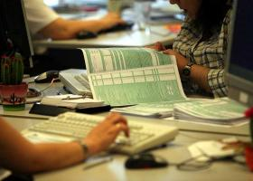 Τελευταία μέρα για τις φορολογικές δηλώσεις - Κεντρική Εικόνα