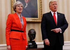 Τραμπ εναντίον Μέι: Η διπλωματική καταιγίδα που σκοτεινιάζει τη διμερή «ειδική σχέση» - Κεντρική Εικόνα