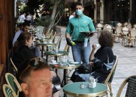 Παράταση μείωσης ΦΠΑ σε εστίαση, τουρισμό, μεταφορές και κινηματογράφο - Κεντρική Εικόνα