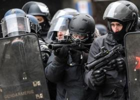 Γαλλία: Ποινές-χάδι σε αστυνομικούς για βία κατά των «Κίτρινων Γιλέκων» - «Ελεύθεροι» να συνεχίσουν το «ξύλο» - Κεντρική Εικόνα