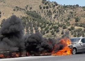 Ταξί λαμπάδιασε στο δρόμο Ηρακλείου-Μεσαράς (photos) - Κεντρική Εικόνα