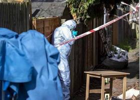 Γνωστή 34χρονη παραγωγός ταινιών βρέθηκε στραγγαλισμένη και θαμμένη στον κήπο του σπιτιού της (photos) - Κεντρική Εικόνα