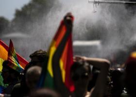 Πρώτη Γιορτή Υπερηφάνειας στη Βόρεια Μακεδονία με αντιδιαδήλωση ακροδεξιών - Κεντρική Εικόνα