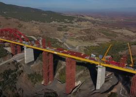 Παίρνει μορφή η εντυπωσιακή γέφυρα με τον κωδικό ΣΓ26 - Tι θα συνδέει (video) - Κεντρική Εικόνα