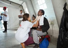 Καταγγελία γιατρών για λαθρεμπόριο υγειονομικής εργασίας στις δομές προσφύγων - Κεντρική Εικόνα