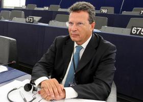 Κύρτσος: Το Ευρωπαϊκό Λαϊκό Κόμμα χρειάζεται τον Όρμπαν - Κεντρική Εικόνα