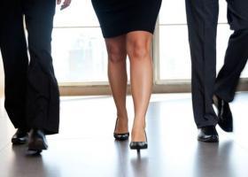 Περισσότερες γυναίκες σε ανώτερες διοικητικές θέσεις παγκοσμίως - Μείωση στην Ελλάδα - Κεντρική Εικόνα