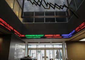 Χ.Α.: Συνεχίστηκε το σφυροκόπημα στο τραπεζικό ταμπλό - Κεντρική Εικόνα