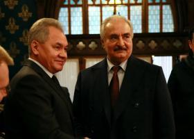 Ειρηνευτικό «Βατερλώ» στη Μόσχα: Ο Χάφταρ δεν υπέγραψε την συμφωνία με Σάρατζ  - Κεντρική Εικόνα