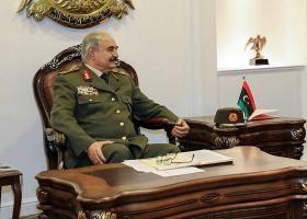 Λιβύη: Ολοταχώς για νέος... Καντάφι ο στρατάρχης Χάφταρ; - Κεντρική Εικόνα