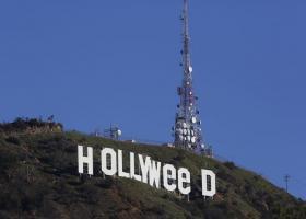 Η εμβληματική ταμπέλα του Χόλιγουντ έγινε... Hollyweed - Κεντρική Εικόνα