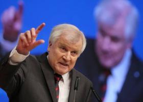 Χ. Ζέεχοφερ: Αισιόδοξος για την επίτευξη μιας συμφωνίας για το μεταναστευτικό με την Ιταλία - Κεντρική Εικόνα
