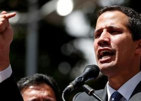 Ο Χουάν Γκουαϊδό σκοπεύει να επιστρέψει στο Καράκας, μολονότι κινδυνεύει να συλληφθεί - Κεντρική Εικόνα