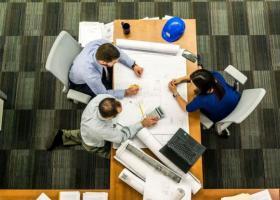 Οι αλλαγές το 2020 στον ιδιωτικό τομέα σε συμβάσεις, κατώτατο μισθό και ωράριο εργασίας - Κεντρική Εικόνα