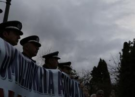 Συγκέντρωση ενστόλων, αύριο -Τετάρτη- το απόγευμα στο Σύνταγμα, και πορεία διαμαρτυρίας - Κεντρική Εικόνα