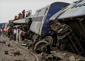 Τουλάχιστον 91 οι νεκροί από τον εκτροχιασμό τρένου στο κρατίδιο Ούταρ Πραντές - Κεντρική Εικόνα