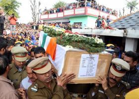 Ανεβαίνει η ένταση μεταξύ Ινδίας και Πακιστάν - Κεντρική Εικόνα