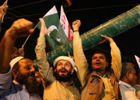 Παιχνίδια πολέμου από Ινδία και Πακιστάν - Κεντρική Εικόνα