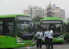Το Νέο Δελχί προσφέρει στις γυναίκες δωρεάν μετακινήσεις με τα ΜΜΜ για την ασφάλειά τους - Κεντρική Εικόνα
