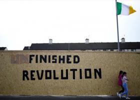Βόρεια Ιρλανδία: Ο Νέος IRA ανέλαβε την ευθύνη για τον θάνατο της δημοσιογράφου - Κεντρική Εικόνα