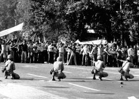 Ιράν 1978: Τα γεγονότα που οδήγησαν στην πτώση του σάχη - Κεντρική Εικόνα