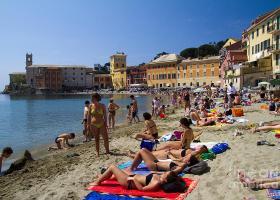 Κορωνοϊός-Ιταλία: Η απίστευτη πρόταση για... πλέξιγκλας και τούνελ στις παραλίες ενόψει τουριστικής σεζόν! (Photos) - Κεντρική Εικόνα