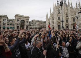 Ιταλία: Δεκάδες χιλιάδες εναντίον του ρατσισμού στο Μιλάνο - Κεντρική Εικόνα