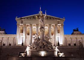 Ιταλία: Ανακούφιση για την μη υποβάθμιση από την Fitch αλλά… - Κεντρική Εικόνα