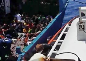 Η Ιταλία υποδέχθηκε σχεδόν 150 πρόσφυγες από τη Λιβύη - Κεντρική Εικόνα