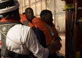 Ιταλία: Σε πέντε χώρες οι μετανάστες που διέσωσε το Ocean Viking - Κεντρική Εικόνα