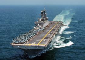 Αμερικανικά πλοία «αμφίβιων» επιχειρήσεων, ελικόπτερα και αεροπλάνα στο οικόπεδο 10 της Κύπρου (video) - Κεντρική Εικόνα